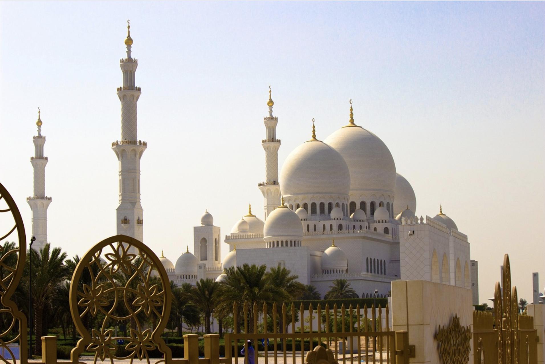 Dalle Dune di Abu Dhabi al Blu delle Seychelles